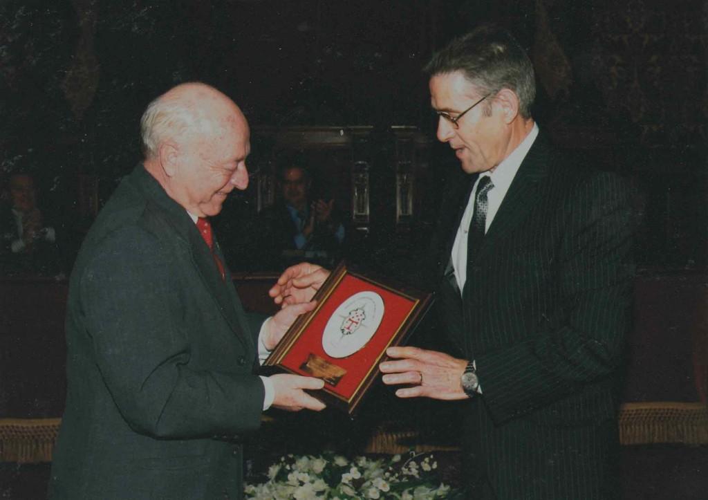 MedallaFidelidad2004-1